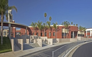 Eastvale-Elementary-School-Courtyard